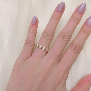 Dainty minimal ring size 6 gold plated ring